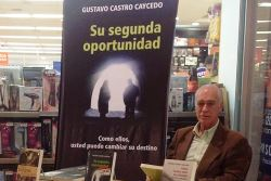 Gustvo Castro_Caicedo_min